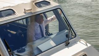 Борисов се повози на катер, докато Нинова и Марешки го чакат в НС