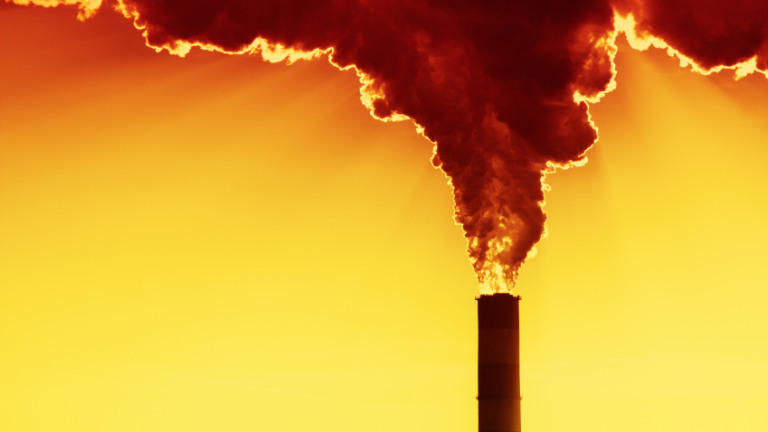 Намаляването на въглеродните емисии до нула в съответствие с Парижкото