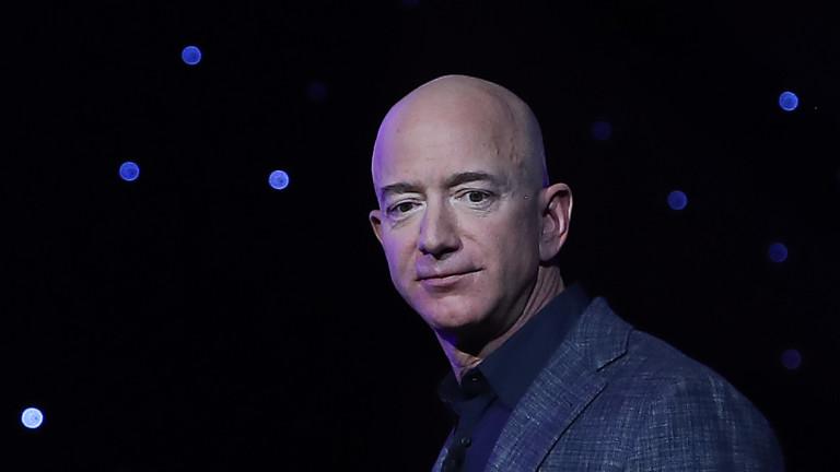 Джеф Безос е продал акции за $1,8 милиарда в Amazon