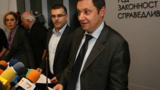 Янев хвали бюджета и Дянков