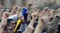 Арменската полиция задържа повече от 100 поддръжници на опозиционен лидер