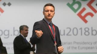 Русия не намира верния тон към България, смята Вигенин