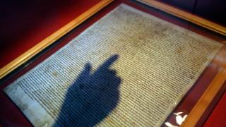 Мъж опита да открадне Магна харта от катедрала във Великобритания