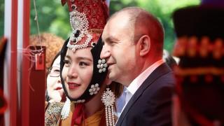 Радев хвали България като мост между Европа и Азия