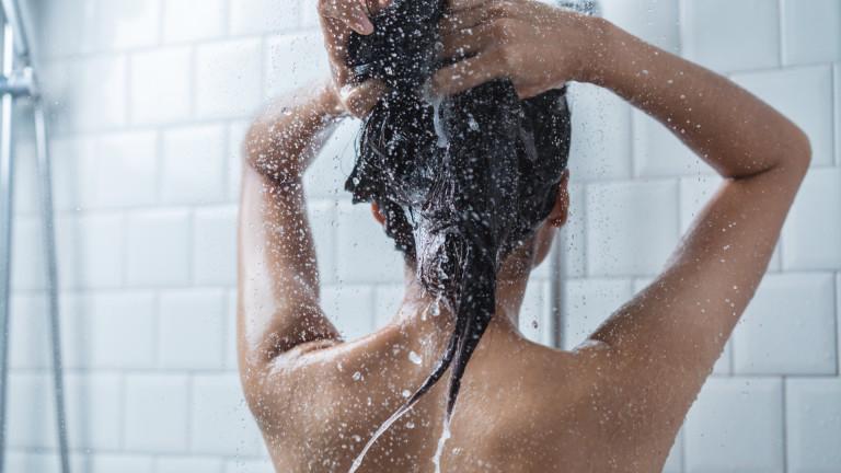 Горещият или студеният душ е по-полезен