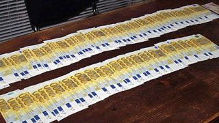 19 фалшифи банкноти от 200 евро иззеха от руснак