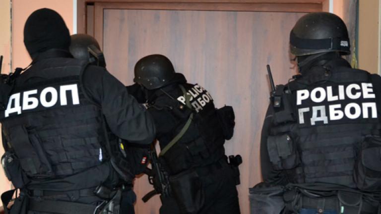 В 5 града ГДБОП лови престъпна група и хакери
