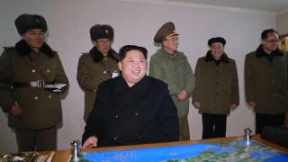 Япония засече танкер, прехвърлящ петрол на кораб на Северна Корея