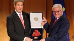 Кери получи Голям кръст за заслуги в Берлин