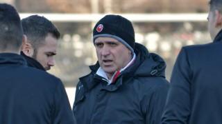 Акрапович с последен шанс да запази работата си в Локомотив (Пд)