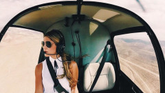 Секси пилот на борда
