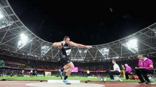 Томас Уолш изпрати гюлето на повече от 22 метра и стана световен шампион