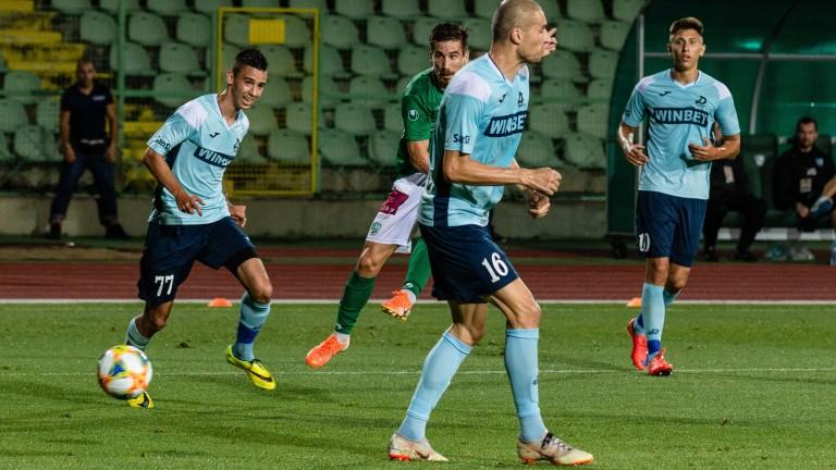 Треньорът на Дунав Людмил Киров призна, че удря на камък