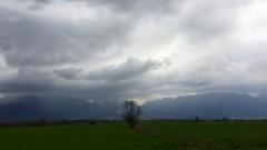 Облачно и дъждовно начало на седмицата