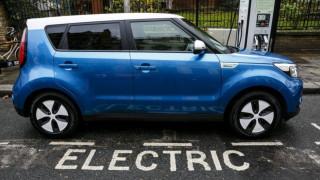Какво спъва продажбите на електромобили в Европа?