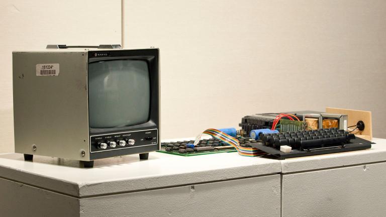 Първият компютър на Apple, създаден през 1976