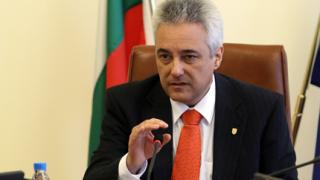 """Премиерът Райков готов да наказва свои служители за скандала """"Костинброд"""""""