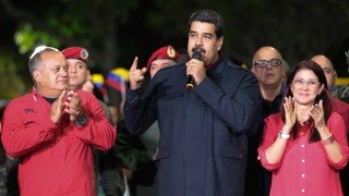 Венецуела гони посланика на Испания