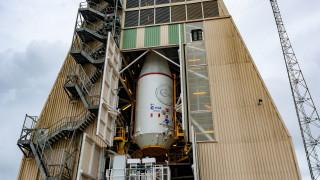 Сателитът ESA за изучава планети извън Слънчевата систeма излетя