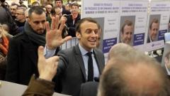 Фаворитът за президент на Франция бил подложен на руска дезинформация