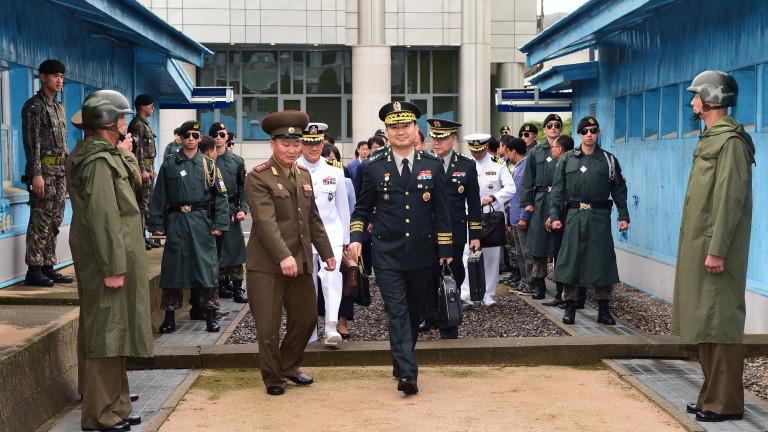 Представители на САЩ и КНДР се срещнаха в селцето Панминчжон