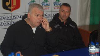 Зума и Узунов подкрепиха шеф на ДЮШ
