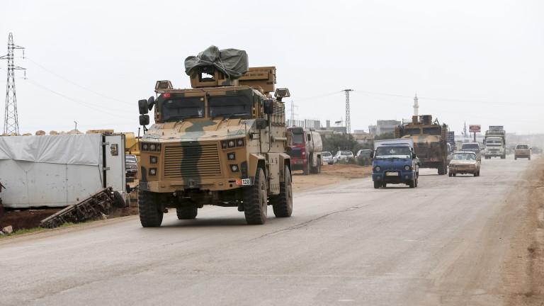 """Подкрепяни от Турция бунтовници завзели Найраб, """"портата на Саракеб"""" в Идлиб"""