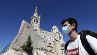 €135 глоба във Франция, ако не носиш маска на закрито