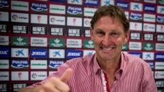 Адамс: Футболистите на Тотнъм ще провалят Англия