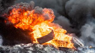 Подпалиха трактор на общински съветник преди важно гласуване