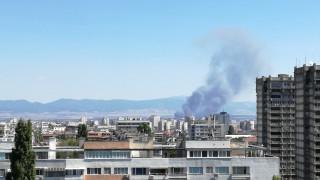 """Въздухът в столицата не е замърсен след пожара на """"Цариградско шосе"""""""