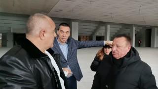 Бойко Борисов инспектира новата спортна зала в Бургас