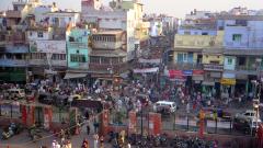 Арестуваха двама българи в Делхи за източване на банкови карти