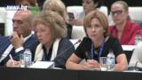 Едва 6% от българите готови да плащат и за здравна застраховка