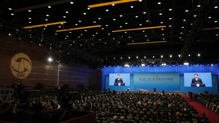 Президентът на Китай Си Дзинпин се опита да успокои притеснените