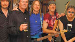 Свършиха промоционалните билети за Deep Purple