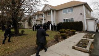 Пет обвинения повдигнати на стрелеца от синагога в Ню Йорк