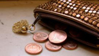 Ниски лихви по депозити – така стартира летния сезон за банките