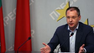 Станишев: ГЕРБ репетира вече за местните избори