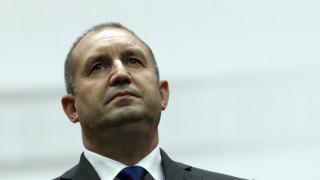 От Ню Йорк президентът моли съветниците около Борисов да четат повече