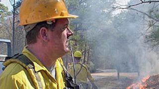 Тежка катастрофа край Панагюрище заради дим от горящо стърнище