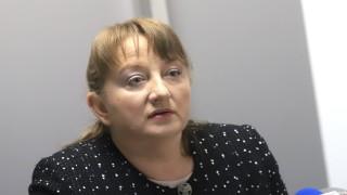 Деница Сачева: Обмислят постепенно разхлабване на мерките в страната