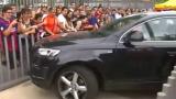 ВИДЕО: Звезда на Барса се излага пред феновете