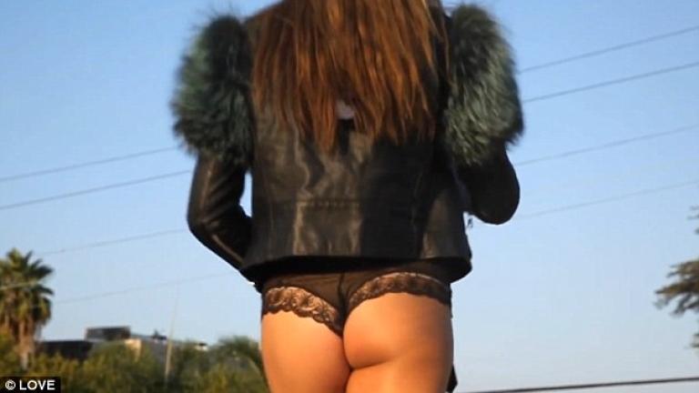 18-годишната Систин Сталоун засне еротичен клип (ВИДЕО)