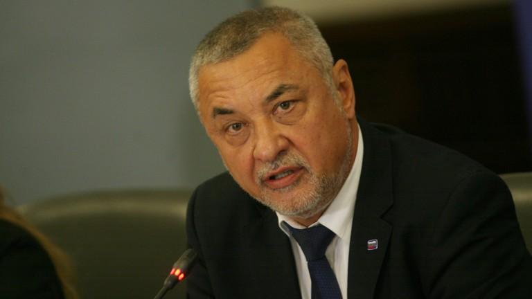 Симеонов: Борисов се чувства гузен заради опростените дългове на мюфтийството