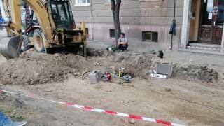 Работници пробиха газопровод на улица в Пловдив