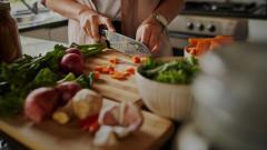 Напълняваме ли, ако гледаме как друг готви