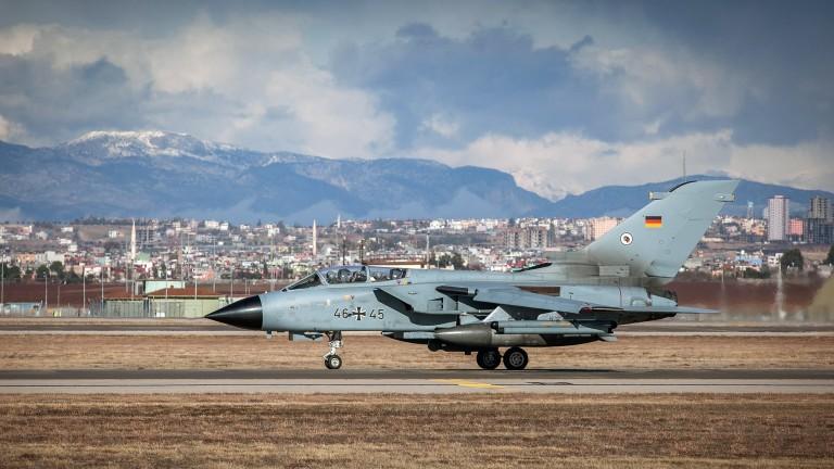 """Германия започна да мести контингента си от """"Инджирлик"""" в Йордания"""