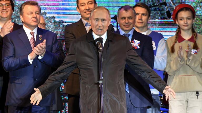Президентът на Русия Владимир Путин смята, че бойният самолет пето