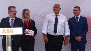"""Горанов склонен """"Информационно обслужване"""" да поеме киберсигурността"""